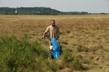 Kaszálás a legelőn (fotó: Bărbos Lőrinc).